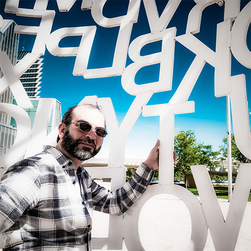 Julian-Mirallas diseñador grafico web multimedia y fotografia en Zaragoza